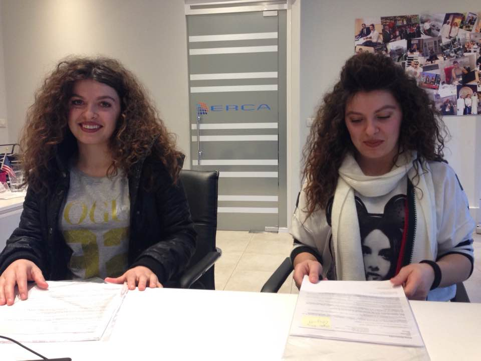 Dy motrat Mirela dhe Orjeta te punesuar ne Gjermani