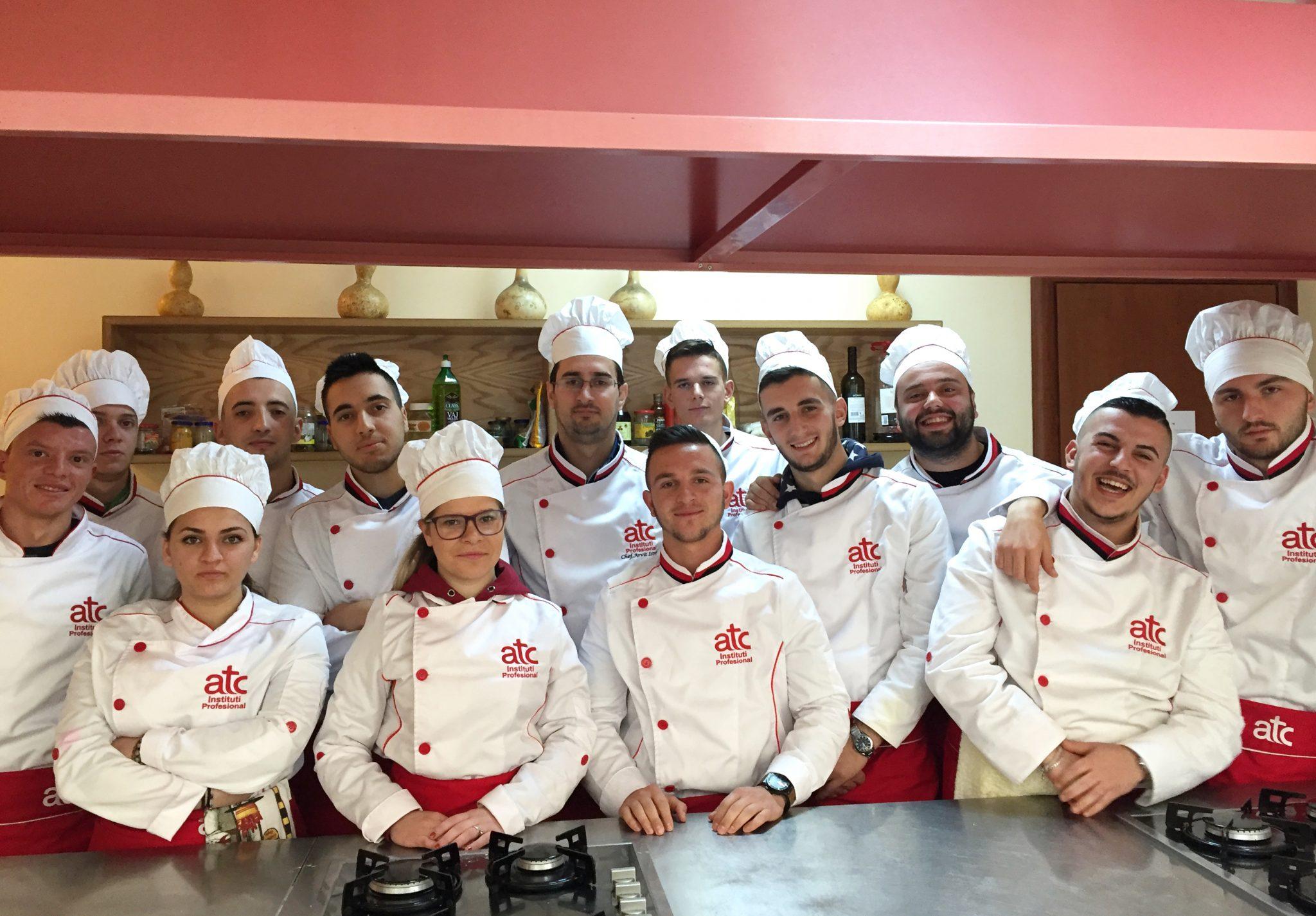 Arvit Istrefi (shef kuzhine) i punesuar ne Institutin profesional Atc.